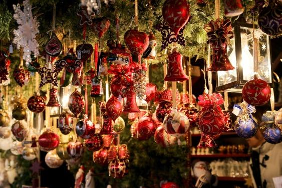 christmas-market-550323_1920.jpg